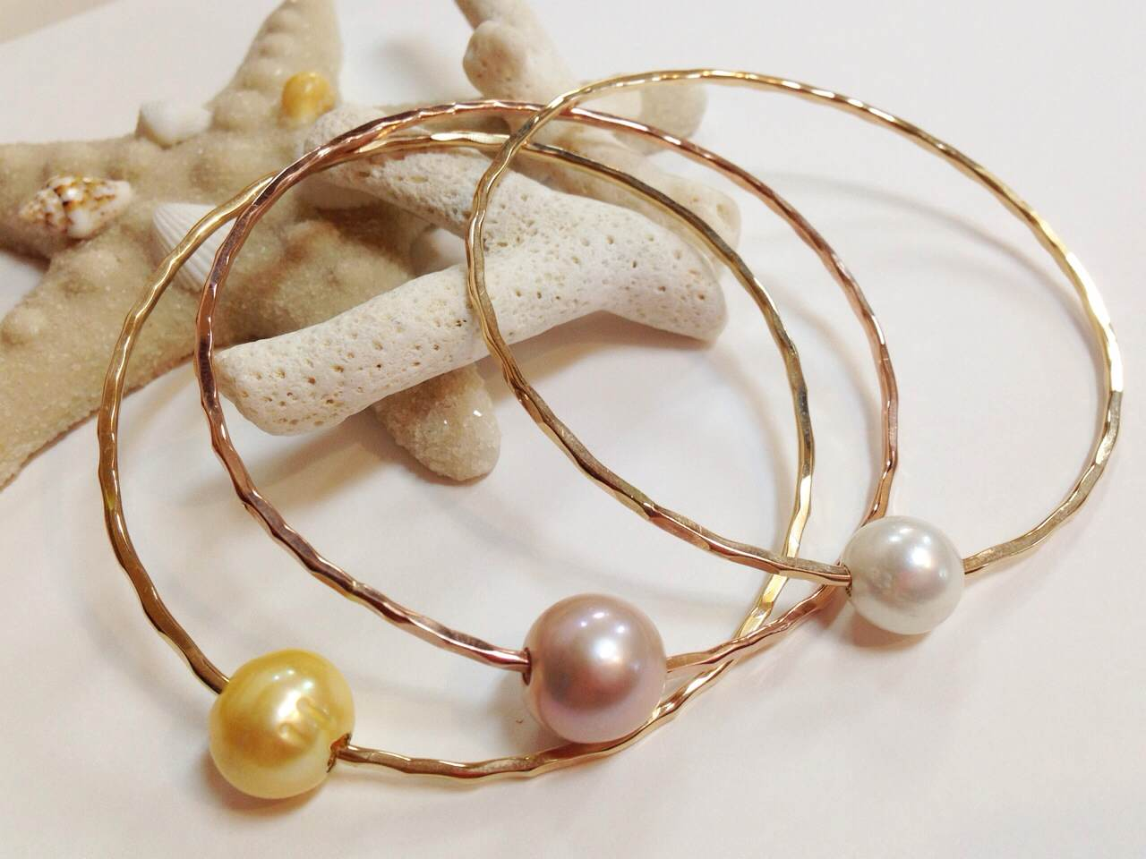 《MISHA HAWAII》 Pearl Bangle  White/ Pink/Yellow []